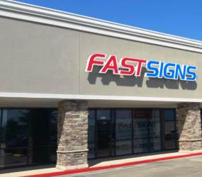 FASTSIGNS of Nederland / Port Arthur, TX